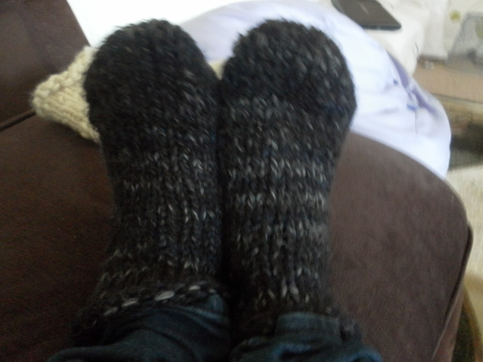 Homemade luxuries - lessons from a 21st century lady: Hand knitted socks