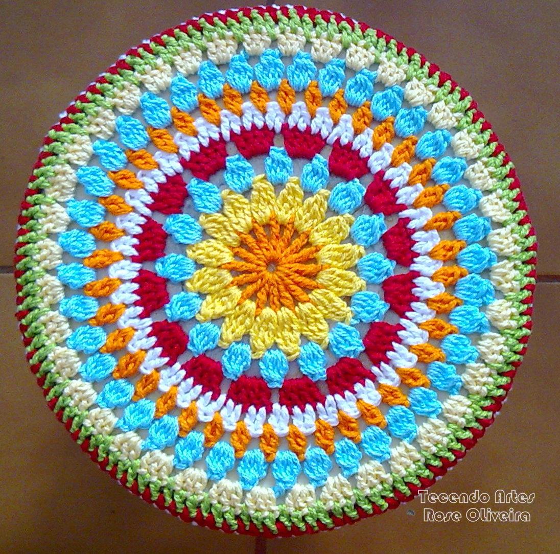 Tecendo Artes em Crochet: Capa p/ Banquinho Redondo! #0D9BBE 1096x1084