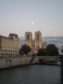 Un sardo a Parigi é anche su youtube: Clicca su Notre Dame!