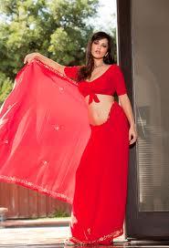 Sunny-Leone-Hot-Saree-Pics-4