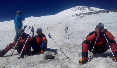 Tim Ekspedisi Kampala Universitas Bengkulu Gapai Puncak Elbrus