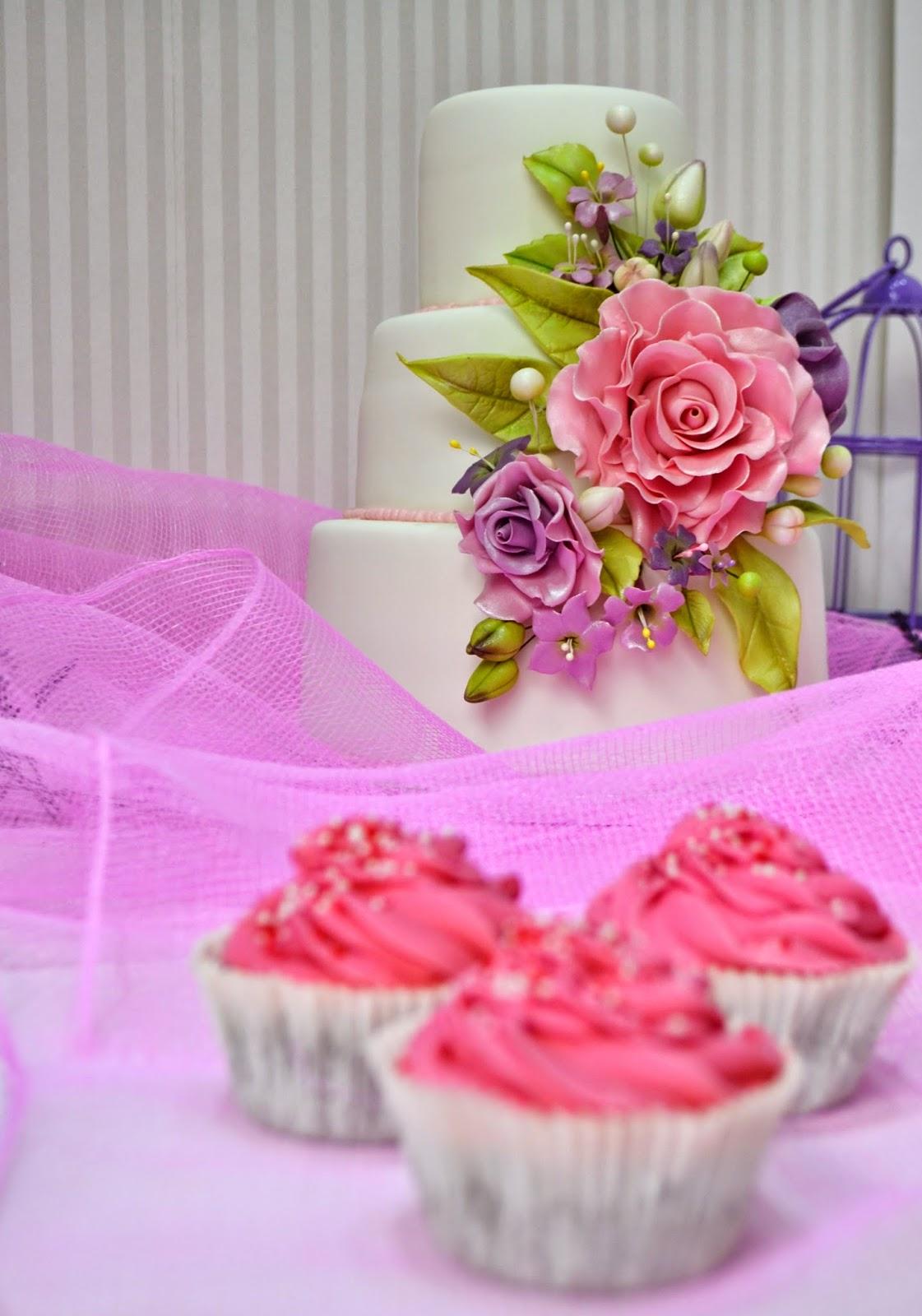 tarta de Bodas flores pisos pasta de goma flores de azucar cordinado cupcakes elegante fina