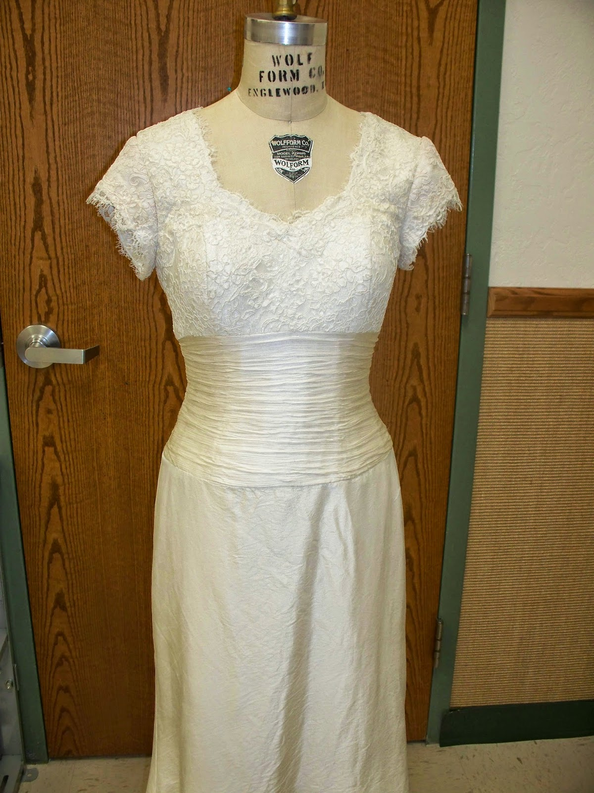 sewcreatelive: How to Add Lace Sleeves and Shoulders to a Strapless ...