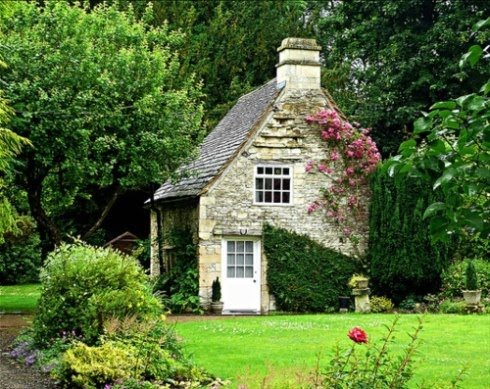 Wonderful Stone Cottage With Climbing Roses