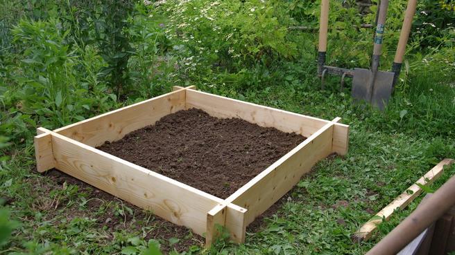 Kicsikert my little garden magas gy s k sz t se 10 l p sben for Fabriquer son carre potager