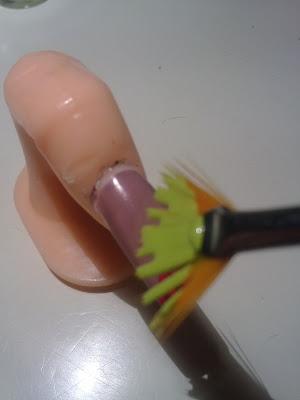 decorazione unghie con pennello a ventaglio_02
