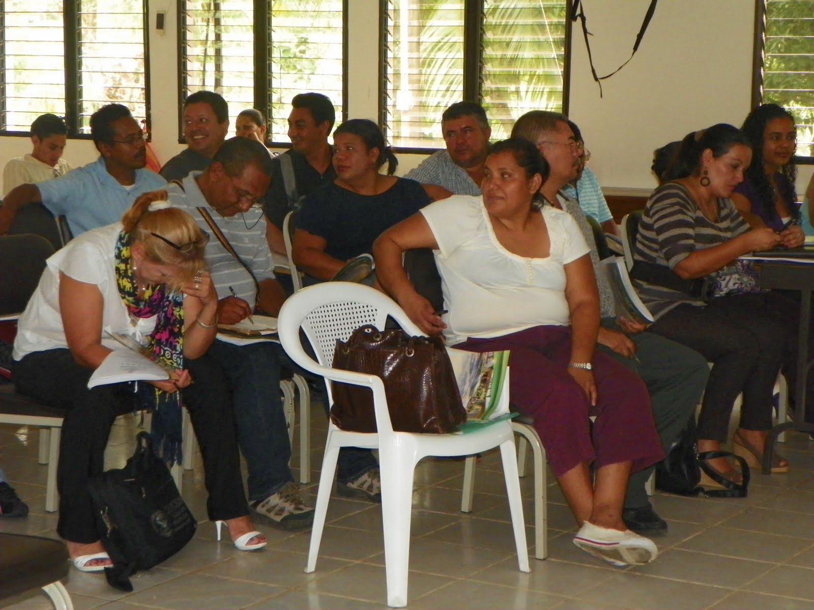 Los Presidentes y Presidentas del Colegio Profesional Superaci³n Magisterial Hondure±o COLPROSUMAH está desarrollando actividades de actualizaci³n gremial