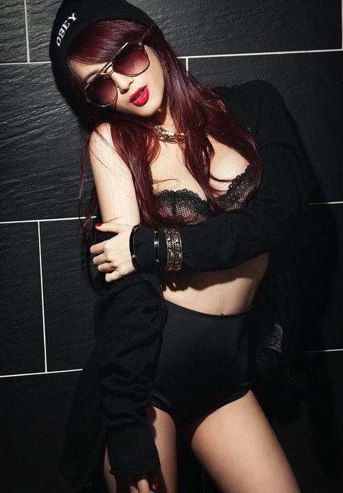 Màu đen quyến rũ của gái ngon