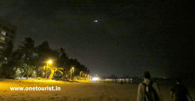 juhu beach ,mumbai in night ,