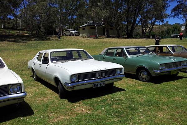 Mobil Holden Tahun 70