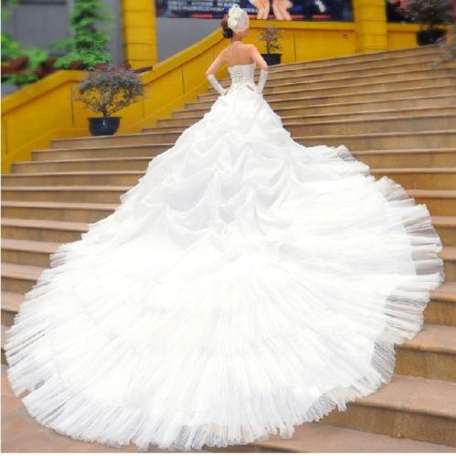 Big white wedding dresses reference wedding decoration for Big white wedding dresses