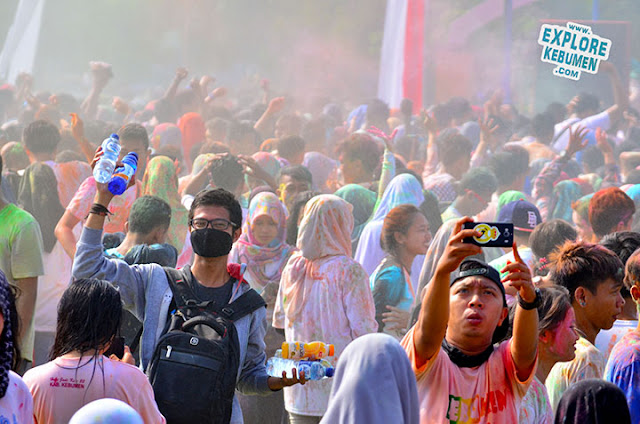 Kebumen Color Party di Alun Alun