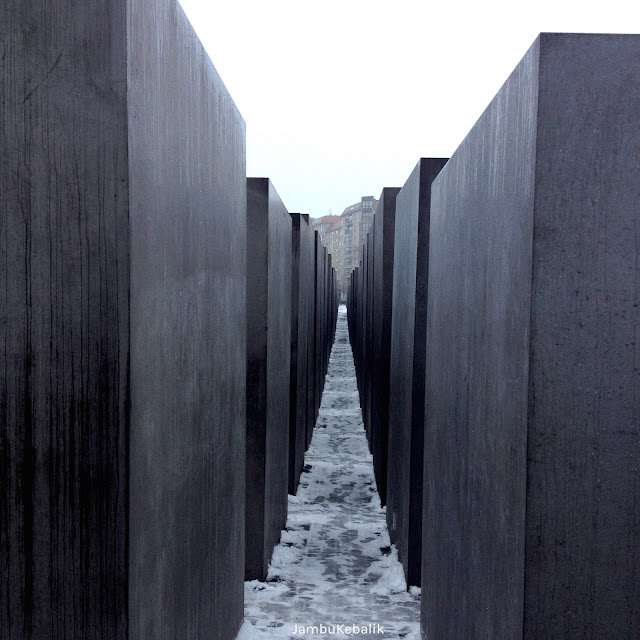Jalan-Jalan di Berlin, Jerman-24 holocaust memorial