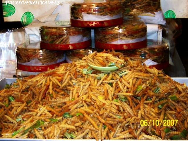 Gusanos fritos en Thailandia