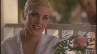 Sherilyn Fenn Two Moon Junction 1988 movieloversreviews.blogspot.com