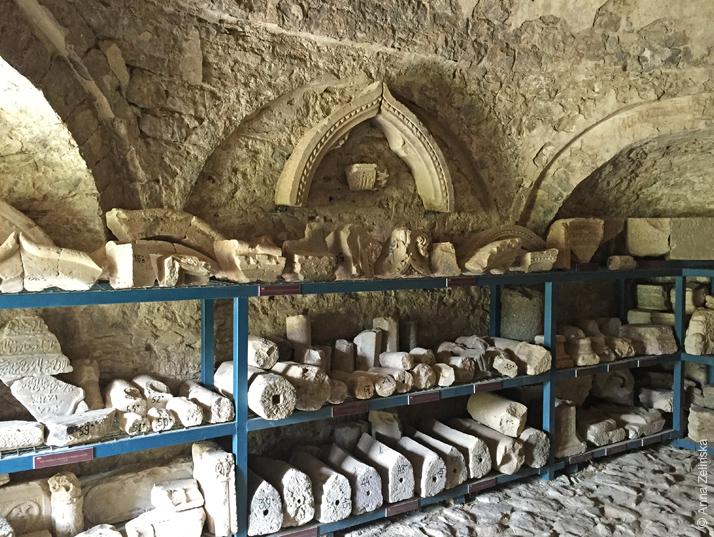 Детали архитектурных строений, Старый Бар, Черногория