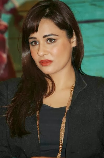 Mandy Takhar Pics