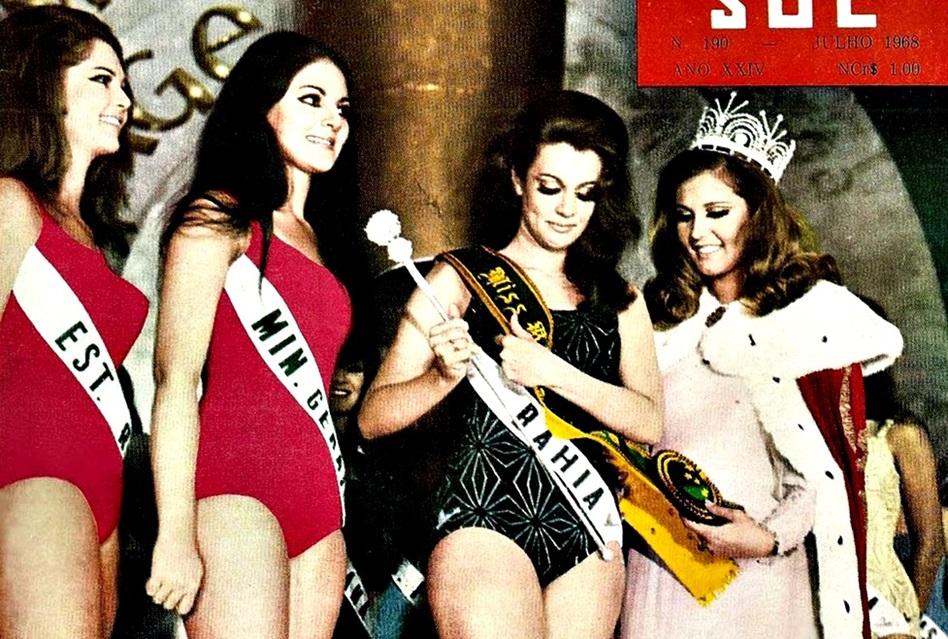 Marta Vasconcelos recebendo o Titulo de Miss Universo Brasil 1968