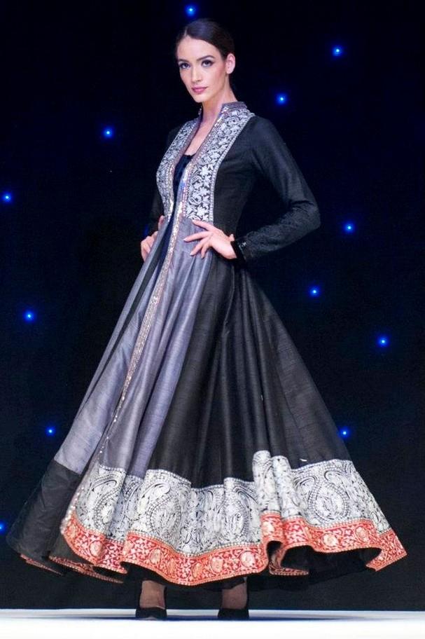 Manish Malhotra London Debut Show Manish Malhotra London Fashion ...