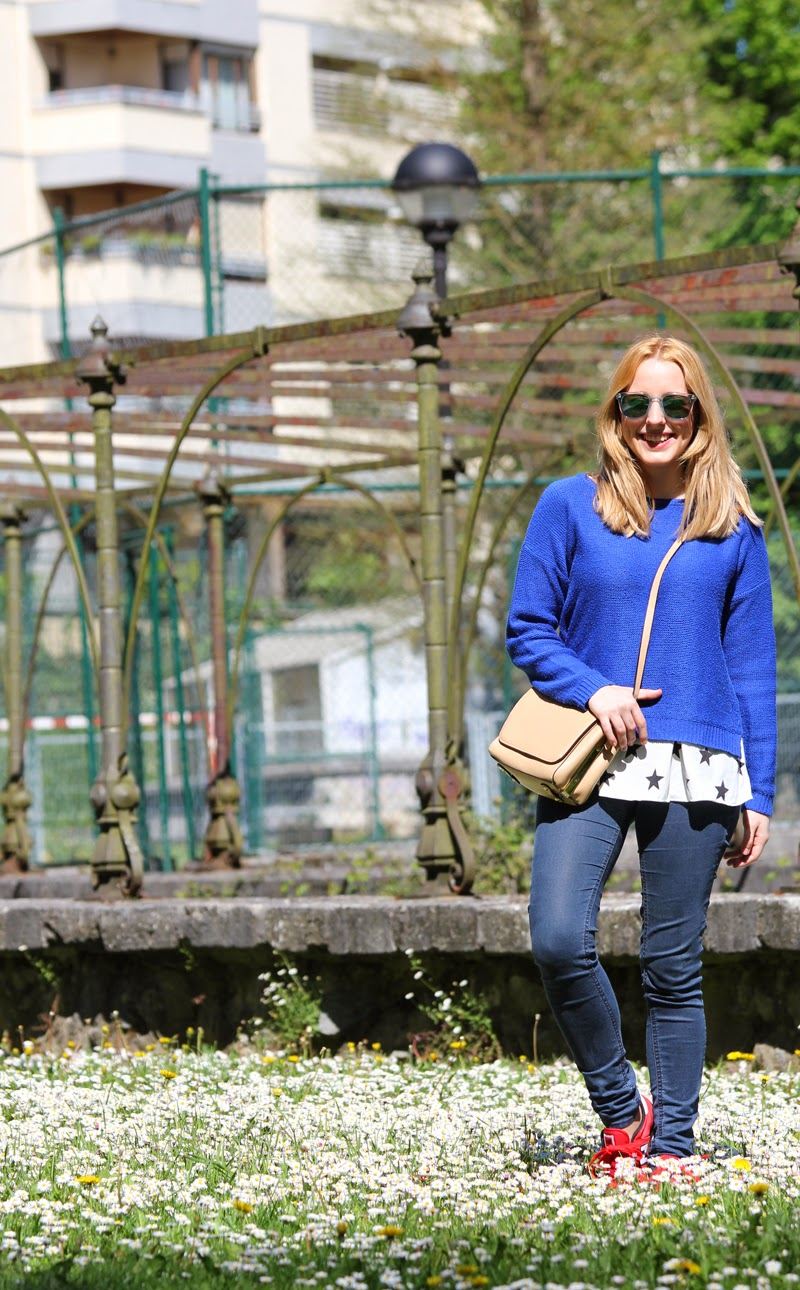 sportychic_outfit-carrera_sun_glasses-new_balance_sneakers-zara_pullover_and_bag-fashion_blogger_bilbao