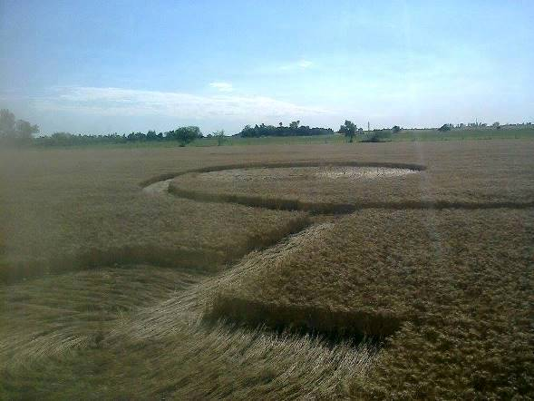 Aliens Warn Humanity About Meteorite With Crop Circle Warning 2015, UFO Sightings