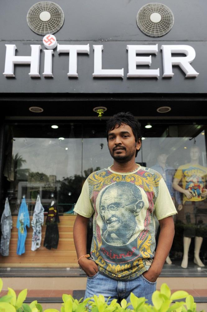Hombre en la India abrió una tienda llamada HITLER, e incluso, incluye la esvástica en su logotipo!