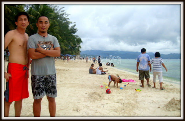 http://www.journey-ni-ikoy.com/2012/09/enjoying-sugary-sands-of-boracay.html