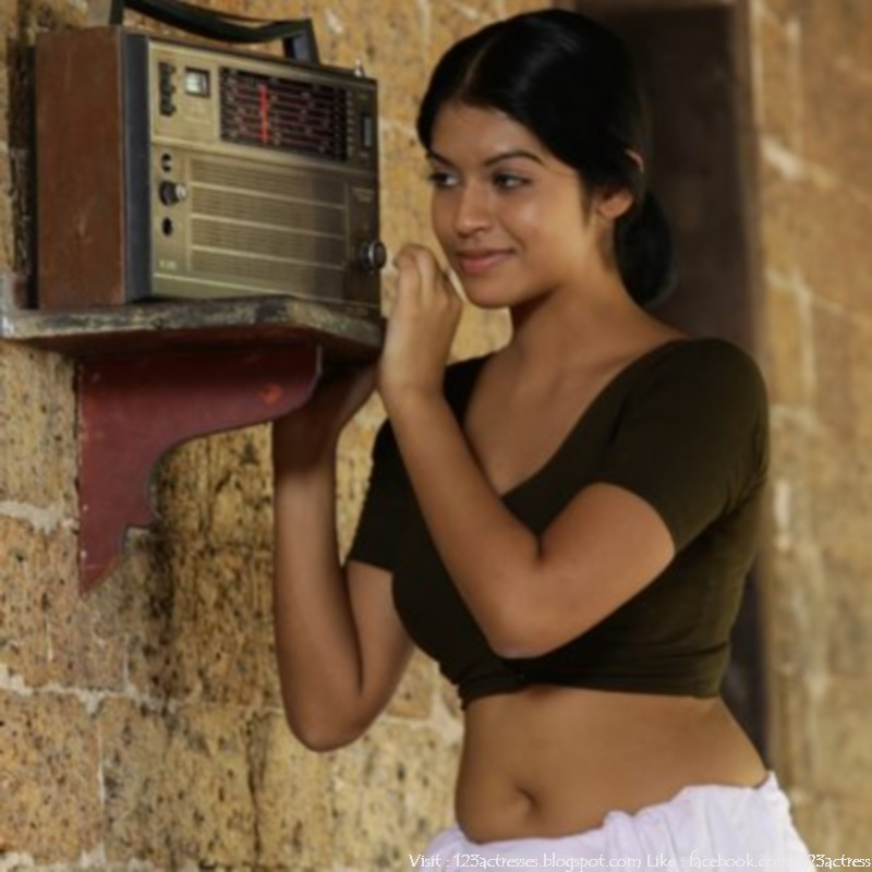 Rasaleela malayalam movie spicy image gallery 2012