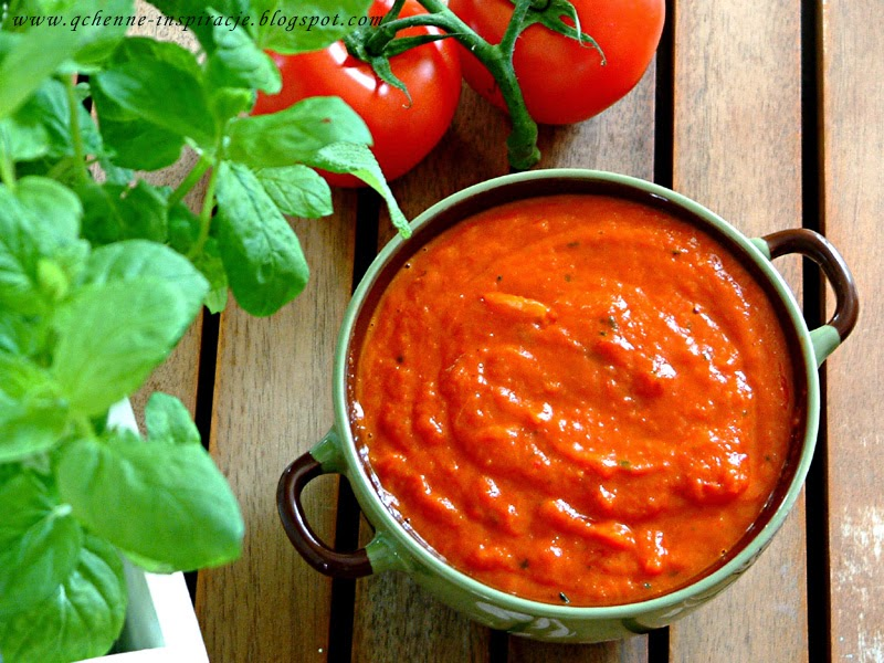 Przepisy FIT: aromatyczny sos z pieczonej papryki do wszechstronnego zastosowania