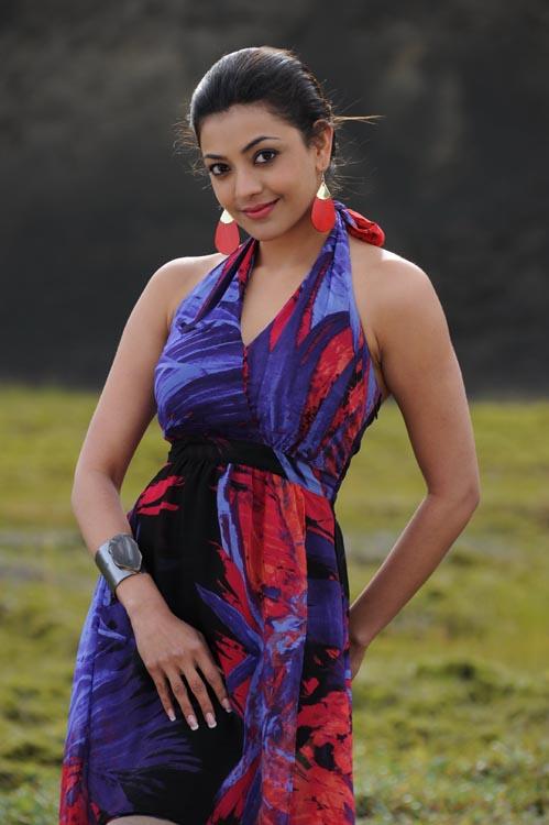 Kajal Agarwal Hot Back Show In Nayak kajal Agarwal L...