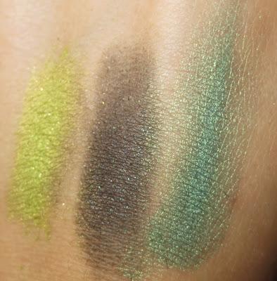 Stila Eye Shadow Trio in Going Green swatches