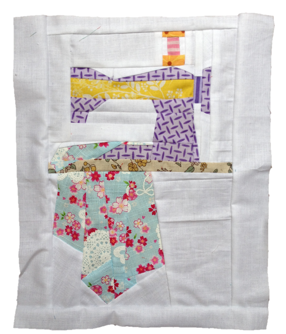 Friday finish paper vs machine blossom heart quilts and finally i present my finished paper pieced sewing machine ill add in a needle when i turn it into a sewing machine cover similar to like kristy did jeuxipadfo Choice Image