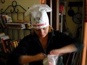 lavorando in cucina..........