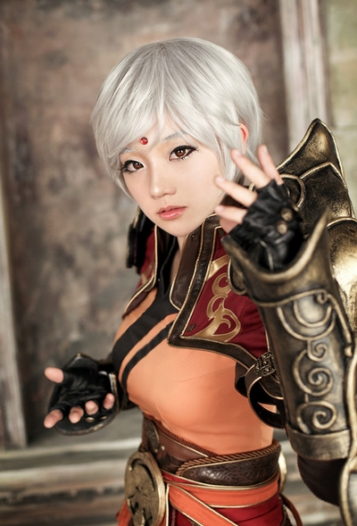Female Monk Cosplay Diablo III