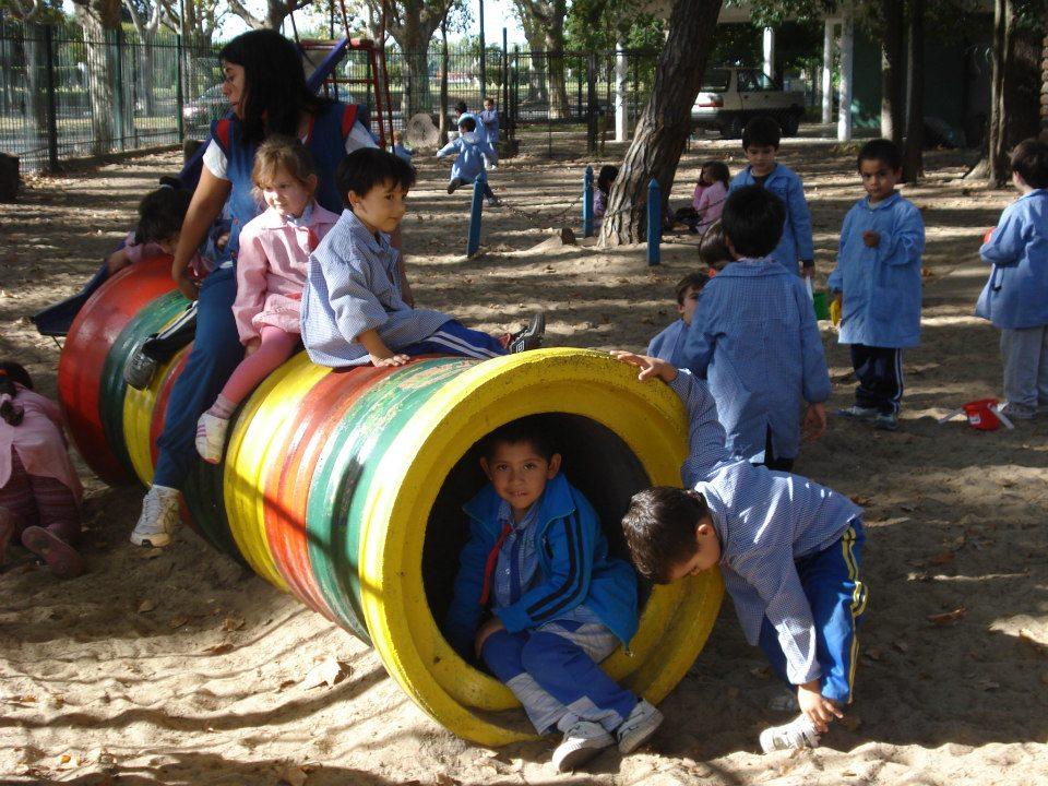 Beautiful Juegos Para Patio Jardin De Infantes Ideas - Design Trends ...