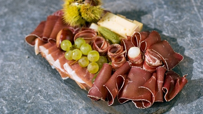 Scrumptious air-dried beef from Saanenland. Photo: MySwitzerland.com.