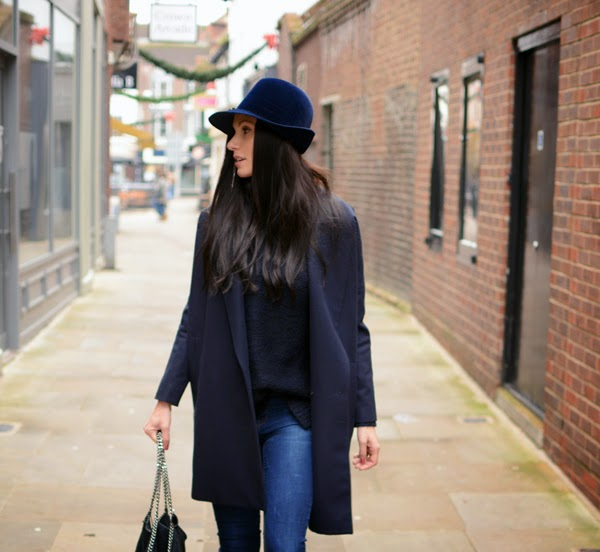 Blue_Outfit_LamourDeJuliette_WinterOutfit_Fashion_Blog_Modeblog_001