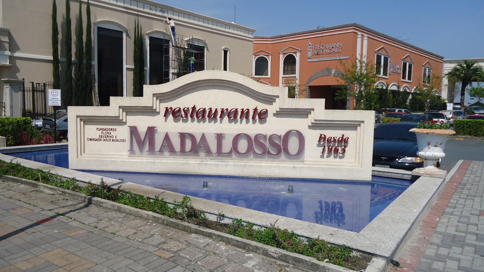 em frente ao restaurante Madalosso. Quero saber quem ja fez isso: ir #32466F 1600 900