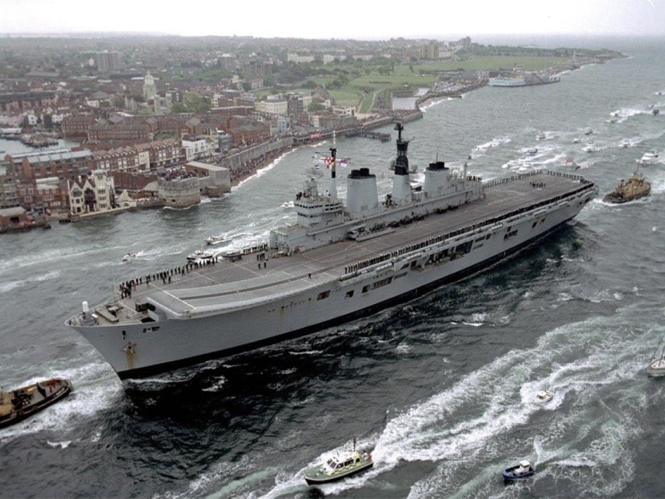 Thin Pinstriped Line: Scrapping the ARK ROYAL - a sad end ...