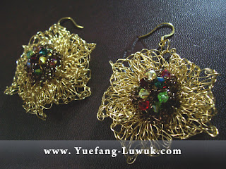 Brass_Wire_Crochet_Earrings_gun_metal_wire_Swarovski_crystals_center_embellishment