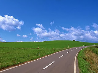 Jalan (foto indonesiainfrastructurenews.com)