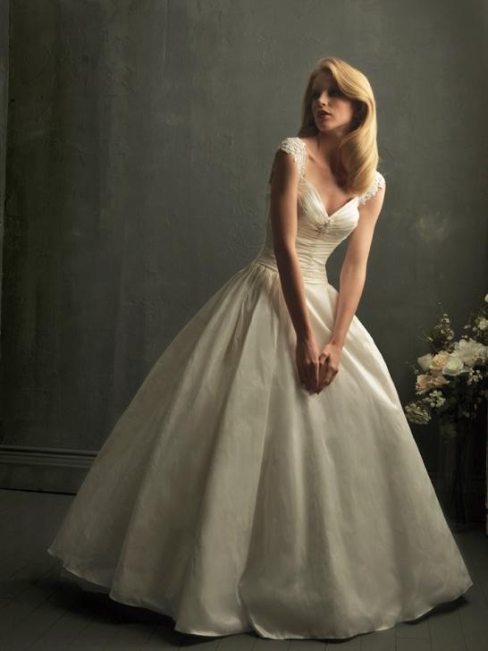 V Neck Wedding Dresses With Sleeves : Wedding dress business with v neck