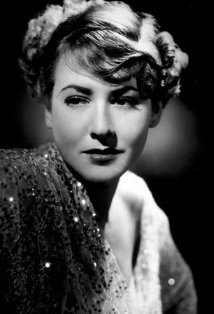 Vintage black and white photo of actress Mae Clarke