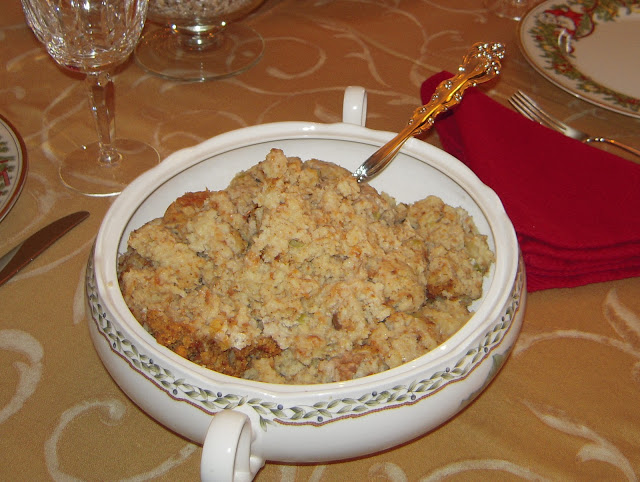 Mom's Turkey & Southern Cornbread Dressing