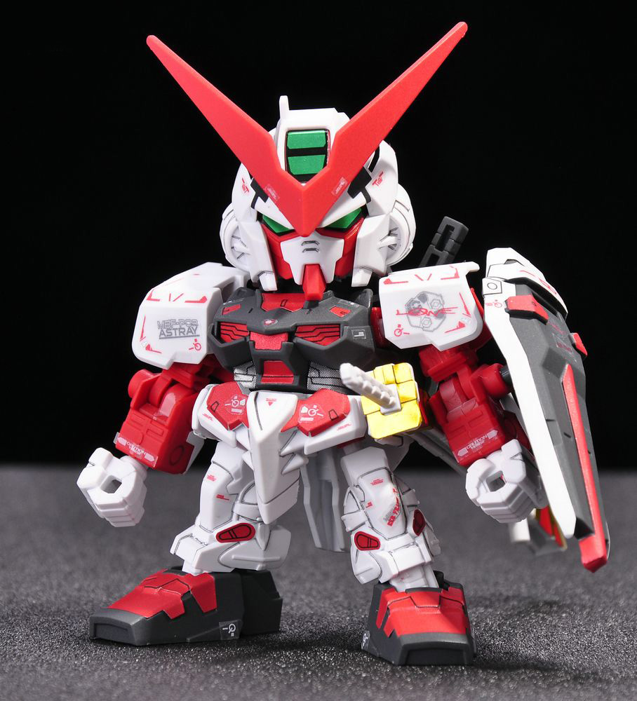 Awesome SD Gundam EX STANDARD Gundam Astray Red Frame   Review By 杂鱼