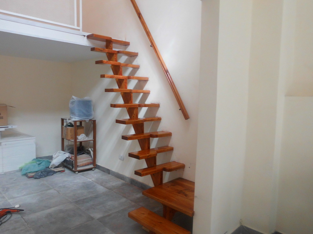Entrepisos de madera escaleras nuevos modelos for Como hacer una escalera para entrepiso