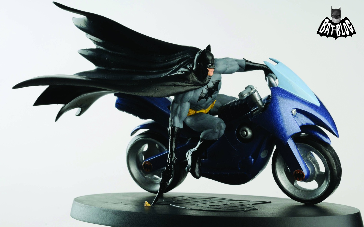 Bat blog batman toys and collectibles batman in the for Wacky wallpaper