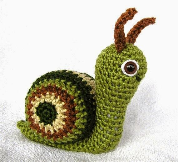 https://www.etsy.com/listing/60645519/pdf-crochet-pattern-suzie-snail?ref=favs_view_4