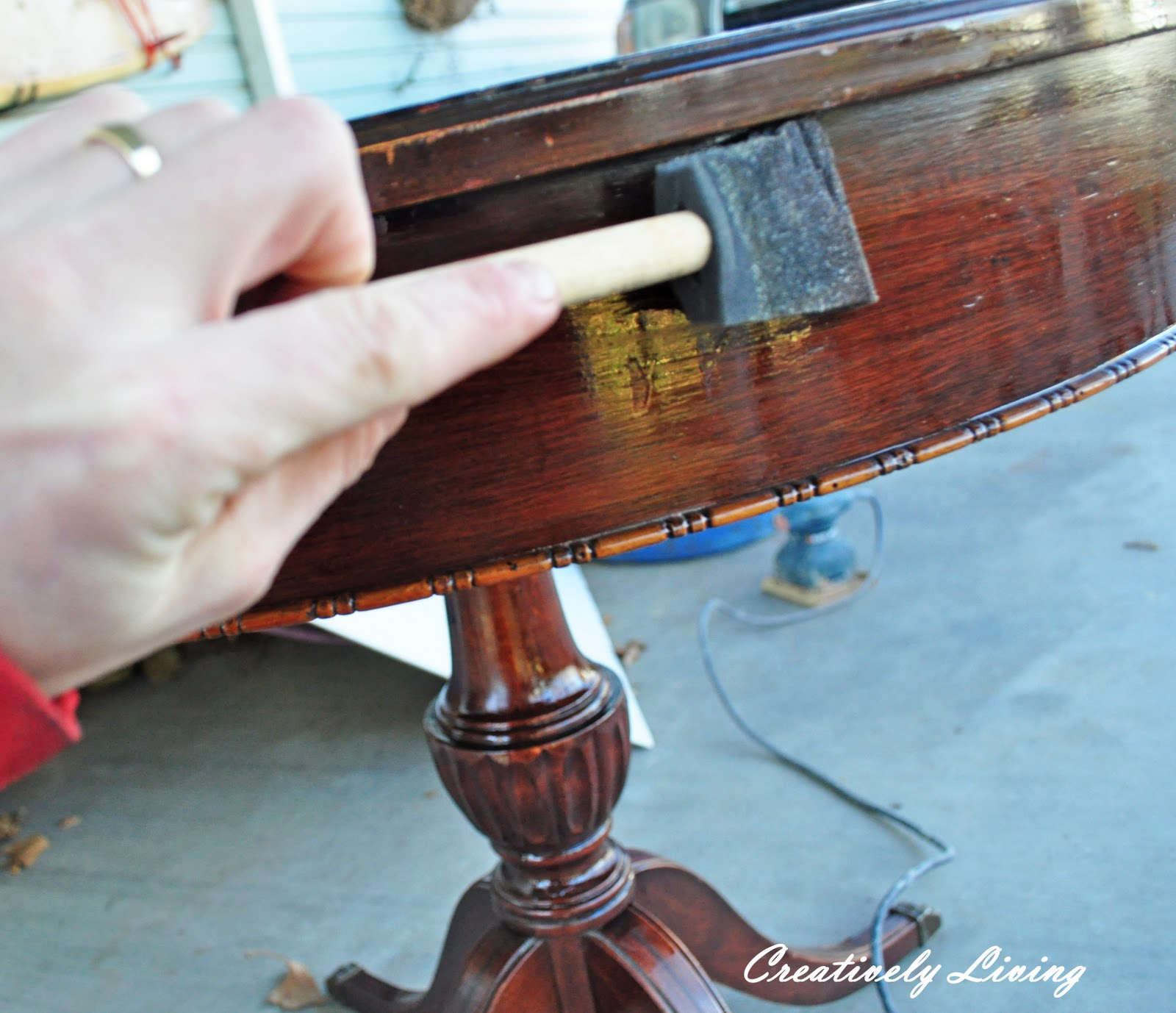how to refinish a table in 1 hour! (quick refinishing class #1
