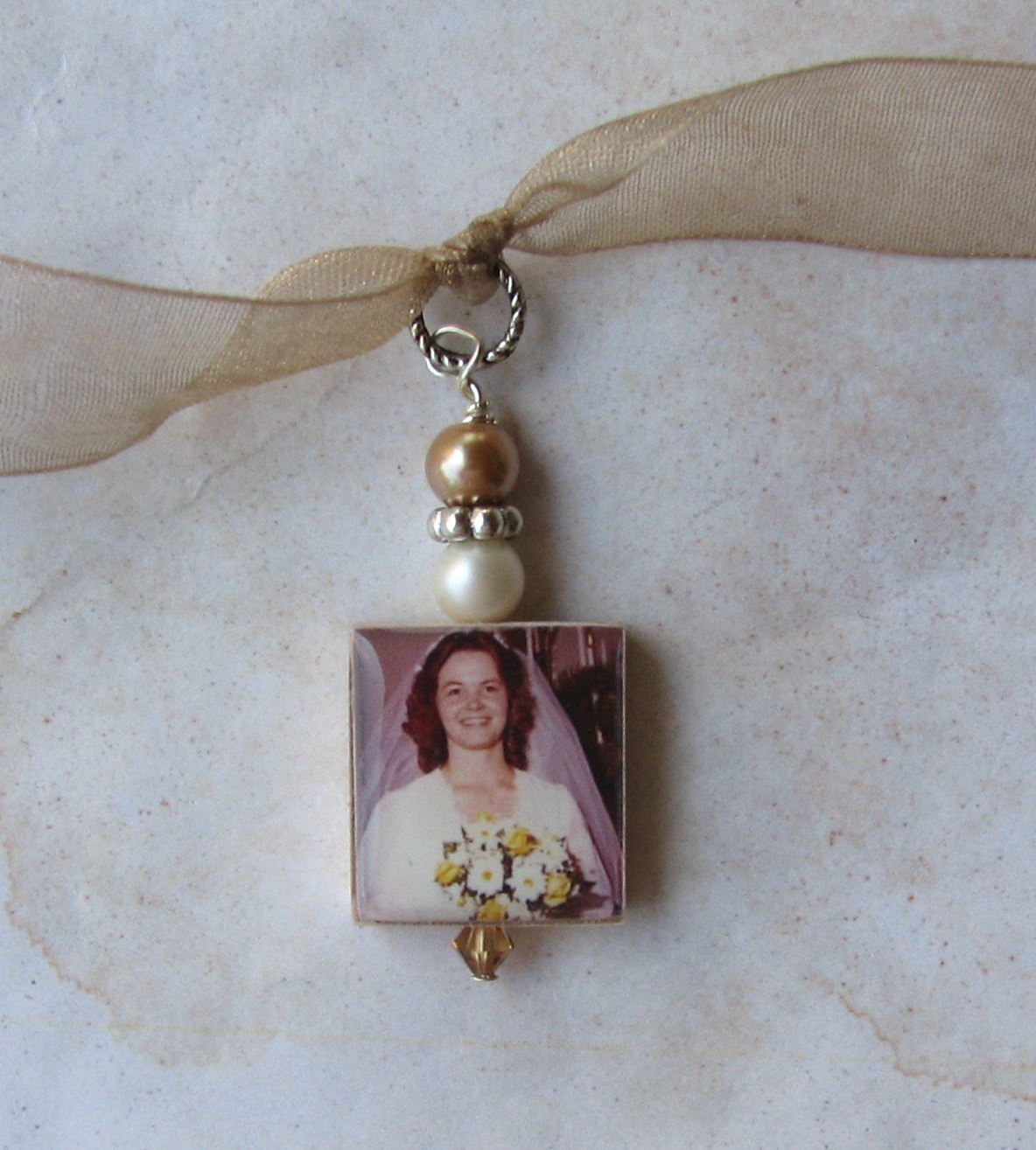 designs by chastity wedding bouquet photo charms